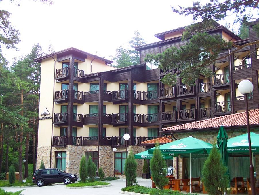 Вложить деньги в болгарскую недвижимость.
